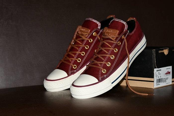 Sepatu Converse Chuck Taylor Clasic Premium BNIB Model